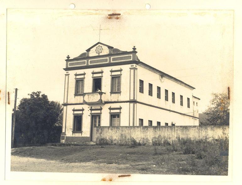 Prédio da 1a. instalação do Colégio Comercial de Ciências e Administração de Criciúma, de propriedade da família Freitas